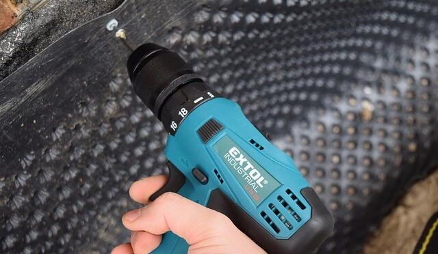 accumulator-drill-2900462_640