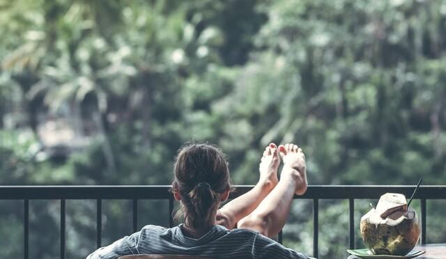 genieten op balkon